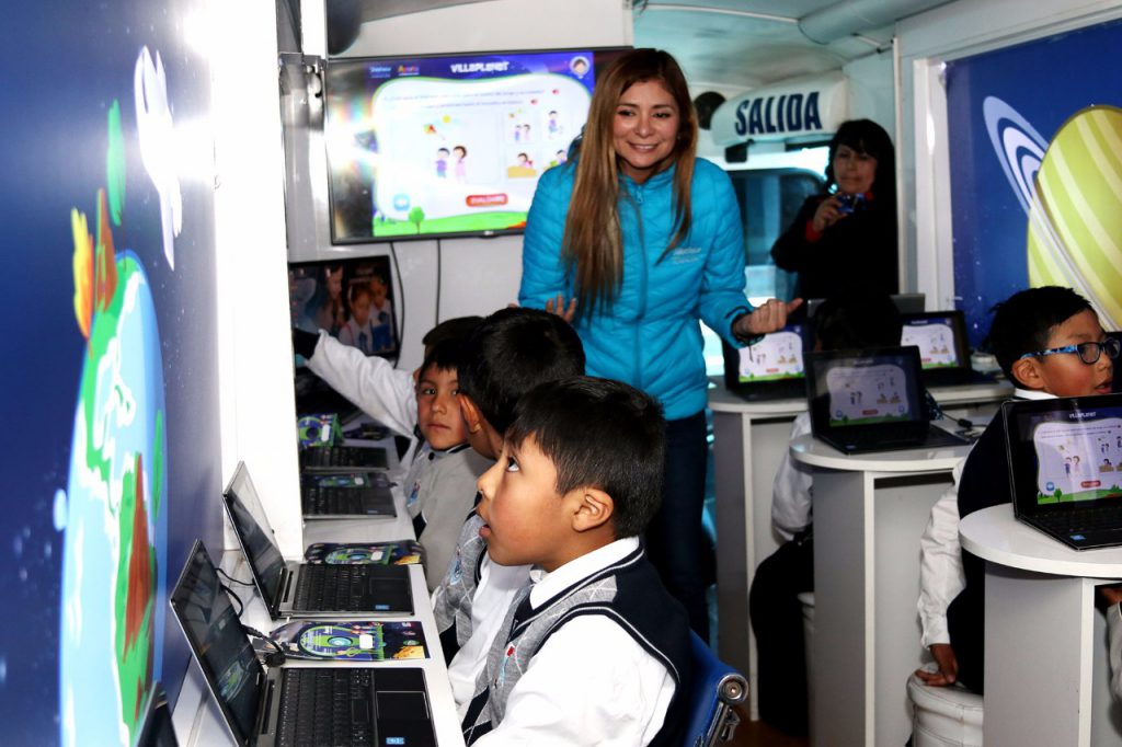 Bus Educativo de Fundación Telefónica