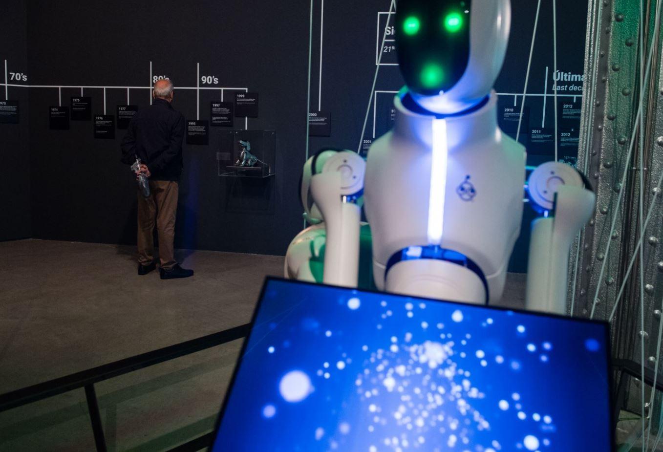 Fundación Telefónica Presenta 'Nosotros, Robots':