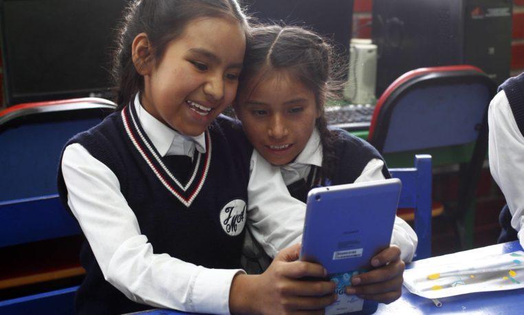 """""""Comprometidos con la Educación"""" recibe Premio WISE 2021"""