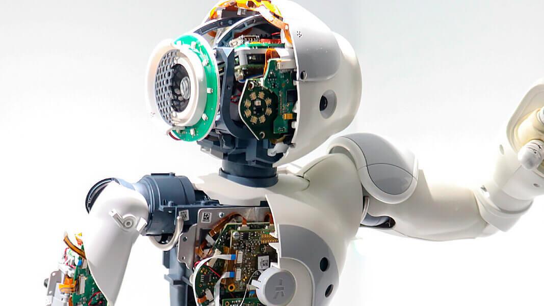 NOSOTROS ROBOT